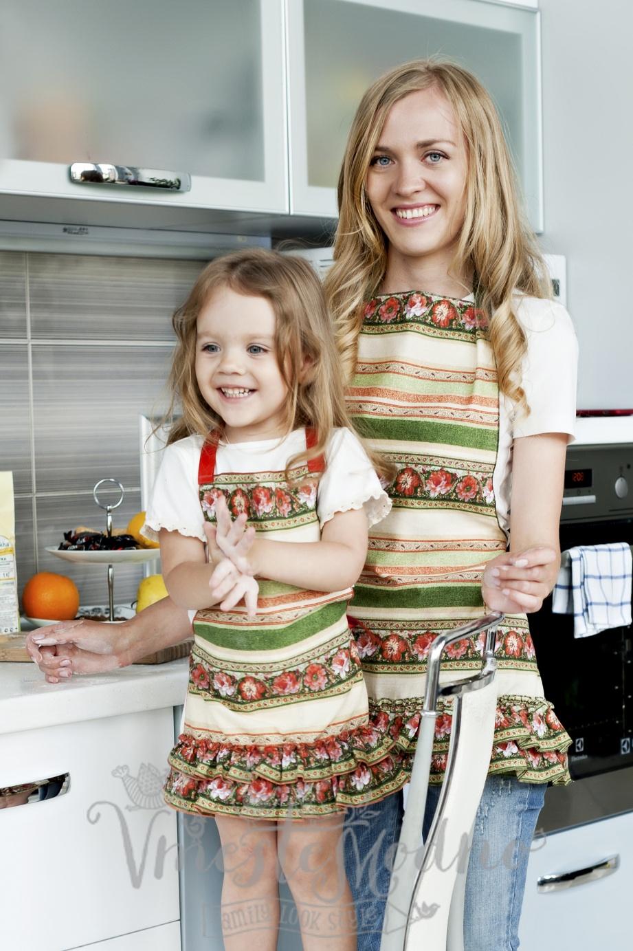 Дети и родители одинаково одеты фото